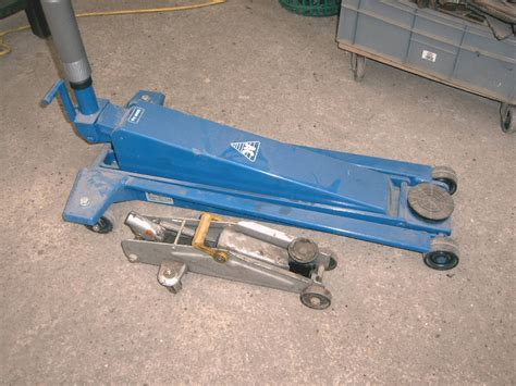 Napa Floor Canada by 100 100 Hydraulic Floor Jacks At Milwaukee