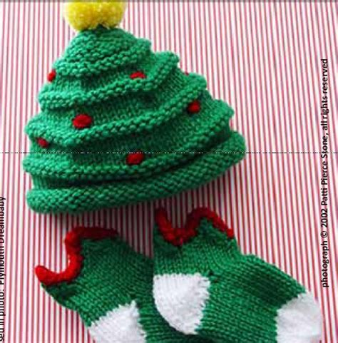 knit a christmas tree decoration knitted christmas tree