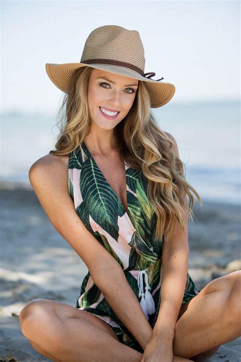 Sarah N's Coastal Photo Shoot - NV Models   New View Modeling
