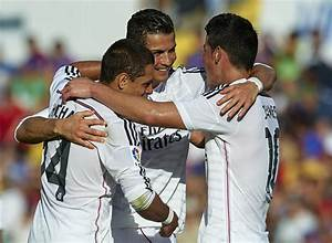 "Cristiano Ronaldo and Javier ""Chicharito"" Hernandez Photos ..."