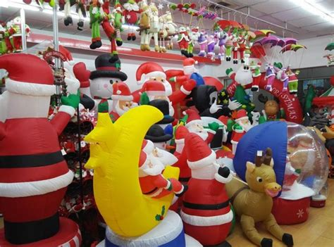 large outdoor christmas inflatable snowman decorations
