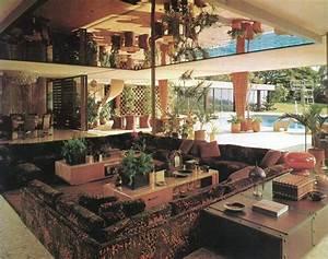 Spiegel An Der Decke : chase interior 1970 sunken living room spiegel an der decke description from i ~ Markanthonyermac.com Haus und Dekorationen