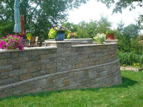 retaining wall patio design raised patio design ideas retaining walls