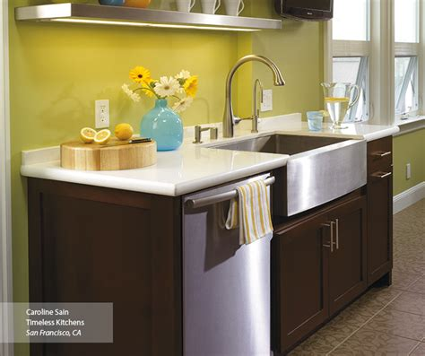amish kitchen cabinets contemporary shaker style shaker style cabinets in a contemporary kitchen omega