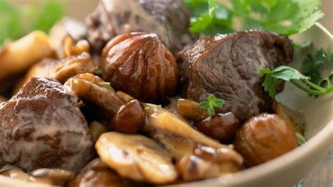cuisiner biche châtaigne et marron nos meilleures recettes l 39 express