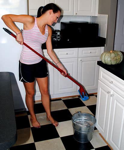 My Secret Tip How To Clean Vinyl Floors  Easily!  The