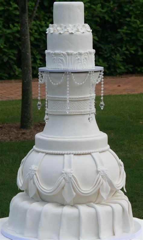 types  wedding cakes idea   bella