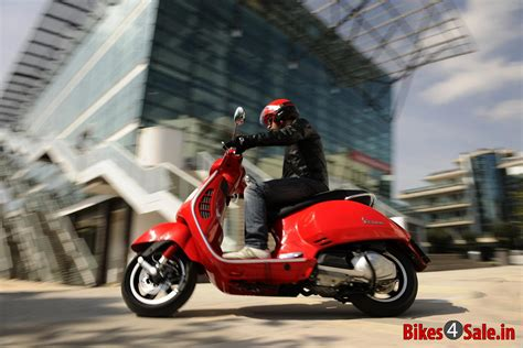 Lambretta V125 Special Hd Photo by Picture Showing A The Vespa Gts 125