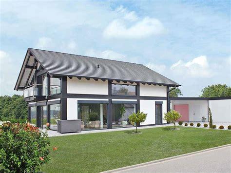 Moderne Häuser Aussenanlage by Lehner Haus Gmbh H 228 User Grundrisse Preis Erfahrungen