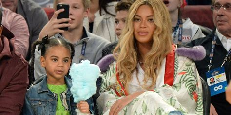 Beyo E And Blue Ivy Make Peace Signs In Adorable Photo