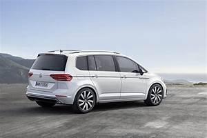 Volkswagen Touran Confortline : it s official all new vw touran based on mqb platform w video carscoops ~ Dallasstarsshop.com Idées de Décoration