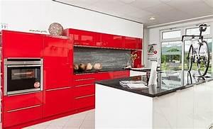 Küche In Rot : hausmarke musterk che moderne ferrari rot gl nzende k che snow white hochglanz lack und granit ~ Frokenaadalensverden.com Haus und Dekorationen