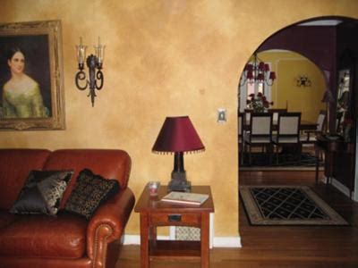 paint finish for living room faux venetian plaster finish in a living room