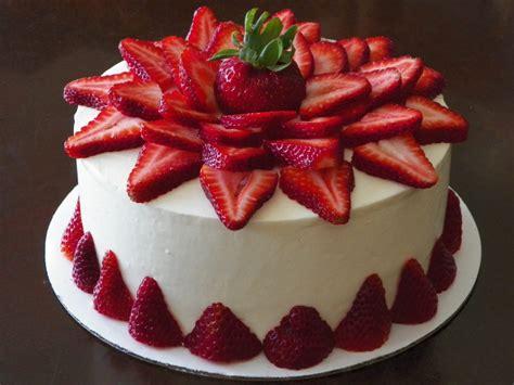 Gourmet Kitchen Ideas - strawberry cake recipe dishmaps