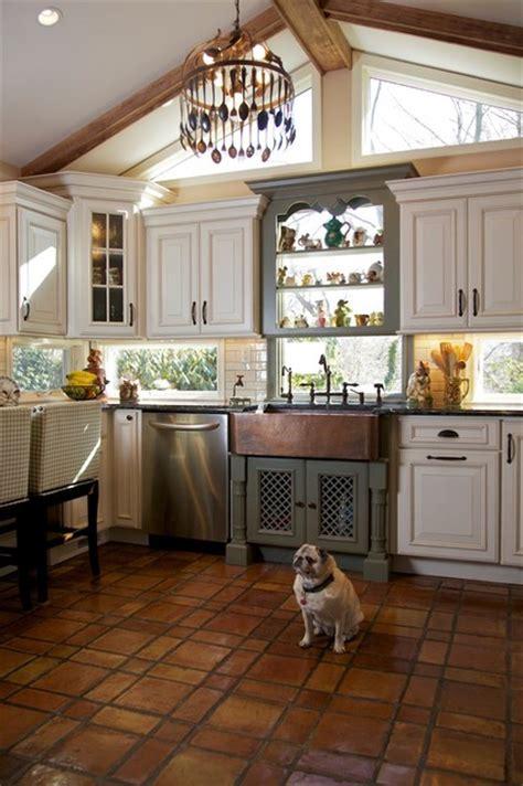 restaurer sa cuisine tri color kitchen rustic kitchen huntington by