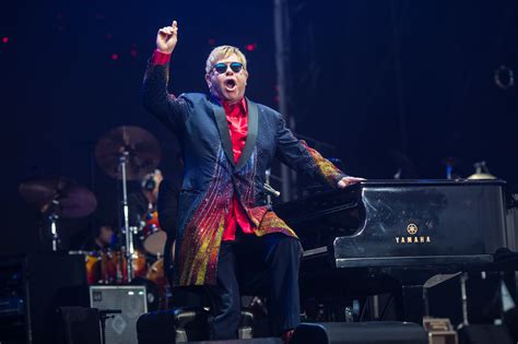 elton john wallpapers images  pictures backgrounds