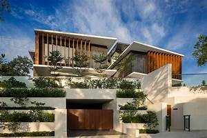 Rhythmic Timber Louvres Line Namly View House In Singapore ...