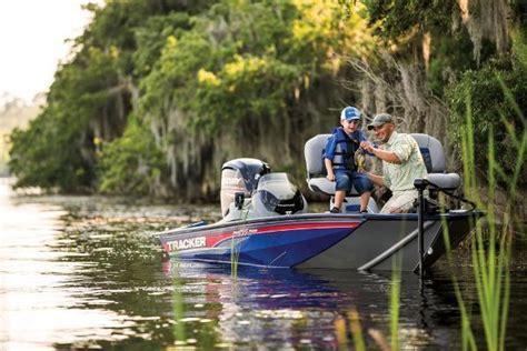Bass Pro Altoona Boats by 2017 Tracker Pro Team 175 Tf Altoona Ia For Sale 50009