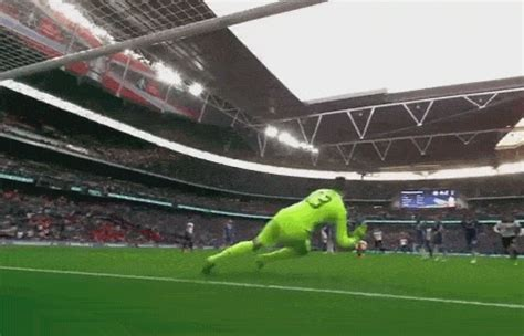 gif thibaut courtois crucial goal  save  harry