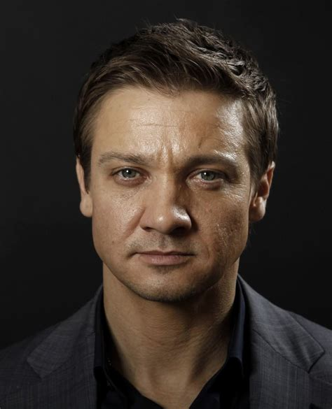 Pictures Jeremy Renner Celebrities