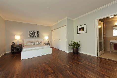 Bedroom Paint Ideas With Hardwood Floors by Bedroom Design Ideas With Hardwood Flooring