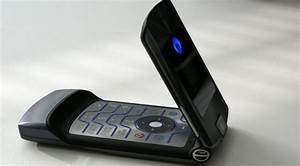 Motorola May Revive Razr As 1 500 Phone With Foldable