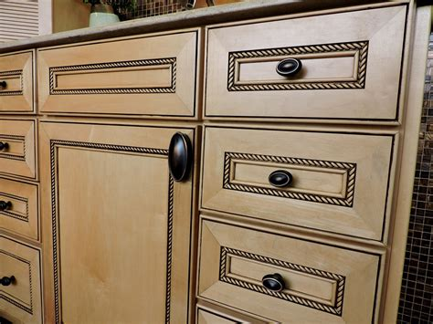 kitchen cabinet pulls and handles knobs handles hardware for kitchen bath projects