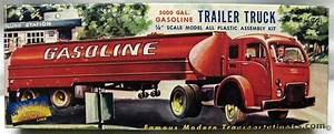 Aurora 1  64 5000 Gallon Gasoline Tanker And White 3000