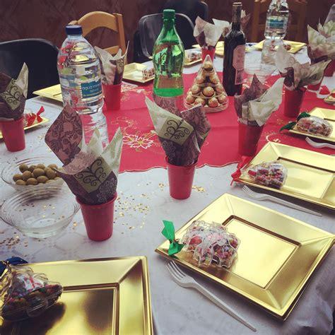 Come Sistemare I Bicchieri A Tavola by Come Apparecchiare La Tavola Di Natale In Modo Elegante Ed