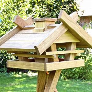 Ständer Für Vogelhaus : eichenholz futterhaus auf 3 bein st nder vogel und naturschutzprodukte einfach online kaufen ~ Whattoseeinmadrid.com Haus und Dekorationen