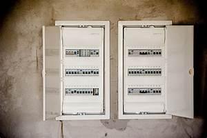 Baisse De Tension : comment brancher un disjoncteur diff rentiel les pros ~ Carolinahurricanesstore.com Idées de Décoration