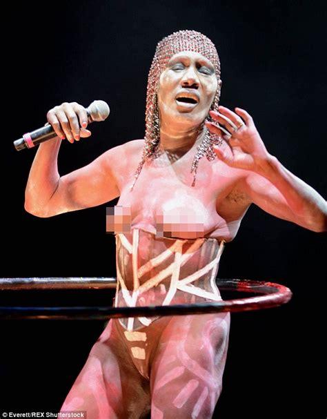 topless grace jones  hits  stage   headlines