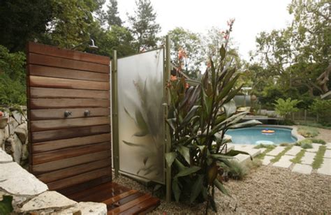 Outdoor Showers : 12 Luxurious Outdoor Showers