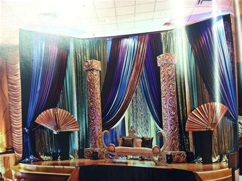 Peacock Decorations For Home: Peacock Theme Reception Stage-South Asian Bride Magazine