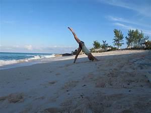 Svärmor dyker efter snäckor och mamman yogar | Bahamasblogg