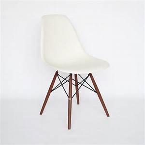 Eames Chair Weiß : vitra eames plastic side chair dsw wei ~ Markanthonyermac.com Haus und Dekorationen