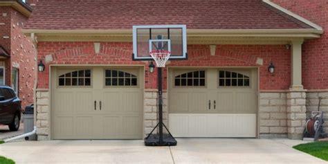portable basketball hoop   spalding lifetime
