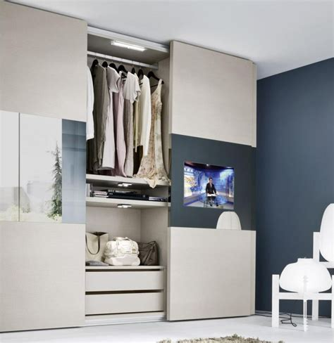 Tv Im Kleiderschrank by Kleiderschrank Mit Led Beleuchtung Und Fernseher M 246 Bel