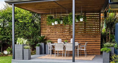 Backyard Entertaining Areas by Transform Your Pergola Into A Gorgeous Entertaining Space