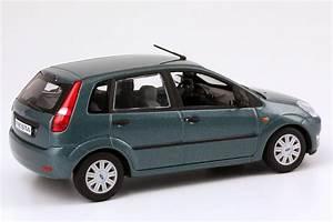 Ford Fiesta 2002 : 1 43 ford fiesta 2002 5t rig turquoise green green dealer edition oem minichamps ebay ~ Medecine-chirurgie-esthetiques.com Avis de Voitures