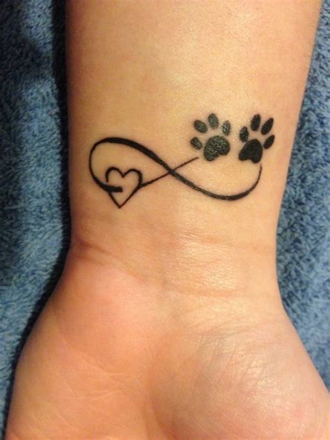 kleine tattoos am handgelenk die besten 25 am handgelenk ideen auf schriftz 252 ge platzierung