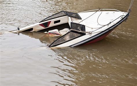 Boat Crash Fatality by Ontario Boating Lawyers Boating Injury