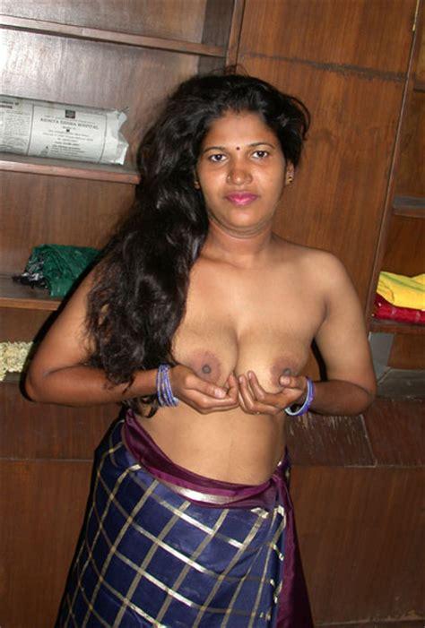 nude moms removing saree photos bihari mummy selfie pics
