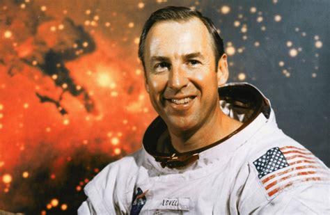Astronaut Jim Lovell Tells How He Dealt With Fear Aboard ...