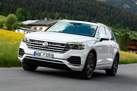 volkswagen touareg  review pictures global car