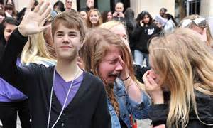 Justin Bieber Fever leaves devoted French fans sobbing in ...