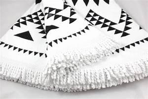 Serviette De Plage Ronde Eponge : serviette de plage ronde mandala tendances du monde ~ Teatrodelosmanantiales.com Idées de Décoration