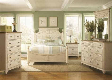 Antique White Bedroom Furniture by Antique White Furniture The Bucksaver
