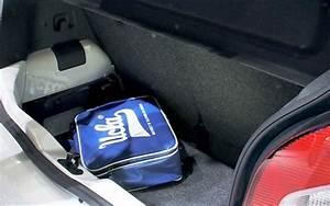 Volkswagen Up Coffre : essai comparatif volkswagen up contre renault twingo l 39 automobile magazine ~ Farleysfitness.com Idées de Décoration