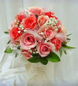 Wedding flower bouquets learn about the different shapes for Flower ideas for wedding